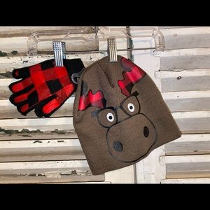 Other - Buffalo Plaid 2pc Hat With Matching Gloves